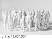 Купить «Белые игрушечные фигурки людей», фото № 3634504, снято 26 мая 2010 г. (c) Losevsky Pavel / Фотобанк Лори