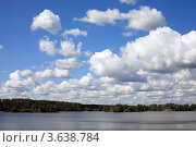 Купить «Облака над Москвой-рекой», эксклюзивное фото № 3638784, снято 30 июня 2012 г. (c) Игорь Веснинов / Фотобанк Лори