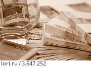 Пачки денежных банкнот крупным планом. Стоковое фото, фотограф Александр Скотнов / Фотобанк Лори