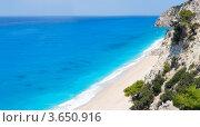 Купить «Красивый летний белый Эгремни пляж на Ионическом море (Лефкада, Греция)», фото № 3650916, снято 19 августа 2018 г. (c) Юрий Брыкайло / Фотобанк Лори