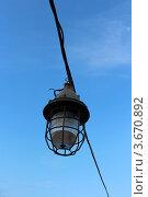 Фонарь и небо. Стоковое фото, фотограф Сергей Александров / Фотобанк Лори
