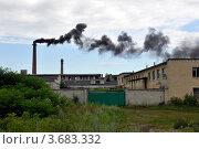 Дым из заводской трубы. Стоковое фото, фотограф Владимир ГОРОВЫХ / Фотобанк Лори
