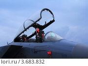 Кабина реактивного истребителя в дождливый день. Редакционное фото, фотограф Павел / Фотобанк Лори