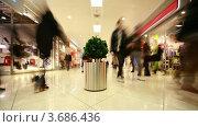 Купить «Покупатели в торговом центре», видеоролик № 3686436, снято 10 марта 2010 г. (c) Losevsky Pavel / Фотобанк Лори