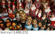 Купить «Матрешки», видеоролик № 3689272, снято 11 июля 2010 г. (c) Losevsky Pavel / Фотобанк Лори