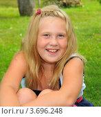Портрет смеющийся девочки. Стоковое фото, фотограф Юрий Морозов / Фотобанк Лори