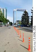 Купить «Краснодар, офисное здание банка Кубань Кредит», фото № 3696356, снято 20 мая 2012 г. (c) Анна Мартынова / Фотобанк Лори