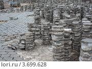 Замена тротуарной плитки. Стоковое фото, фотограф Сайганов Александр / Фотобанк Лори