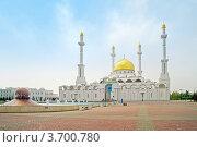 Купить «Мечеть Нур Астана», фото № 3700780, снято 2 января 2000 г. (c) Parmenov Pavel / Фотобанк Лори