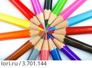 Купить «Цветные карандаши сложены в центр грифелями», фото № 3701144, снято 24 апреля 2012 г. (c) Elnur / Фотобанк Лори