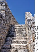 Купить «Лестница в крепости в Будве, Черногория», фото № 3703020, снято 15 июня 2012 г. (c) Доброславская Галина / Фотобанк Лори