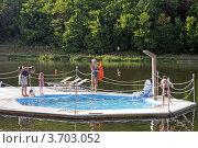 Купить «Плавательный бассейн на реке», эксклюзивное фото № 3703052, снято 21 июля 2012 г. (c) Татьяна Белова / Фотобанк Лори