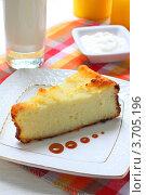 Купить «Запеканка творожная с молоком», фото № 3705196, снято 29 июля 2012 г. (c) Дорощенко Элла / Фотобанк Лори