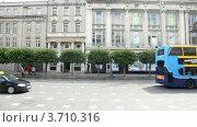 Купить «Вид на улицы Дублина из окна автобуса», видеоролик № 3710316, снято 26 октября 2010 г. (c) Losevsky Pavel / Фотобанк Лори