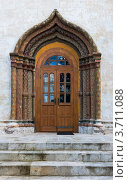 Купить «Дверь и арка с декоративным орнаментом собора Рождества Пресвятой Богородицы», фото № 3711088, снято 14 июля 2012 г. (c) Родион Власов / Фотобанк Лори