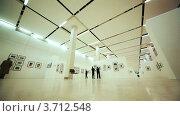 Купить «Зал с фотографиями на выставке посвященной Никите Хрущеву в Московском Доме фотографии», видеоролик № 3712548, снято 21 декабря 2010 г. (c) Losevsky Pavel / Фотобанк Лори