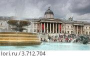 Купить «Фонтан у Национальной галереи на Трафальгарской площади в Лондоне», видеоролик № 3712704, снято 6 декабря 2010 г. (c) Losevsky Pavel / Фотобанк Лори
