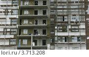 Купить «Рабочие работают на строительной площадке, таймлапс», видеоролик № 3713208, снято 23 сентября 2010 г. (c) Losevsky Pavel / Фотобанк Лори