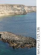 Купить «Море, камни, скалы, Крым, Украина», фото № 3721136, снято 1 мая 2012 г. (c) Робул Дмитрий / Фотобанк Лори