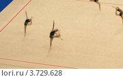 Купить «Гимнастки с обручами на XXX Чемпионате мира по художественной гимнастике», видеоролик № 3729628, снято 12 декабря 2010 г. (c) Losevsky Pavel / Фотобанк Лори