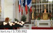 Купить «Интерьер католического собора Святой Луизы в Париже», видеоролик № 3730992, снято 13 февраля 2011 г. (c) Losevsky Pavel / Фотобанк Лори