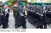 Купить «Колонна военных марширует по Красной площади», видеоролик № 3732320, снято 14 марта 2011 г. (c) Losevsky Pavel / Фотобанк Лори