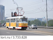 Трамвай Tatra T3 на Строгинском шоссе едет по маршруту № 30, эксклюзивное фото № 3733828, снято 7 августа 2012 г. (c) Дмитрий Абушкин / Фотобанк Лори