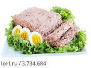 Купить «Паштет и яйца на листе салата», фото № 3734684, снято 26 июля 2012 г. (c) Юлия Маливанчук / Фотобанк Лори