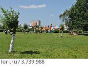 Купить «Детская площадка в парке города Одинцово. Московская область», эксклюзивное фото № 3739988, снято 4 июля 2012 г. (c) lana1501 / Фотобанк Лори