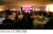 Купить «XIV церемония награждения Блокбастер  в гостинице Ренессанс», видеоролик № 3740356, снято 23 июня 2011 г. (c) Losevsky Pavel / Фотобанк Лори