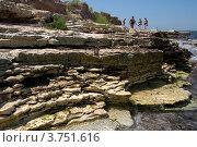 Скалы на побережье моря (2012 год). Стоковое фото, фотограф Мария Деркунская / Фотобанк Лори