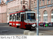 Купить «Трамвай № 6. Санкт-Петербург», фото № 3752036, снято 16 августа 2012 г. (c) Светлана Колобова / Фотобанк Лори