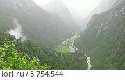 Купить «Туман в горах летом, таймлапс», видеоролик № 3754544, снято 12 августа 2011 г. (c) Losevsky Pavel / Фотобанк Лори