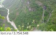 Купить «Водопад в горах близ Stalheim, таймлапс», видеоролик № 3754548, снято 12 августа 2011 г. (c) Losevsky Pavel / Фотобанк Лори