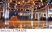 Купить «Аниматор проводит розыгрыш бинго на борту круизного судна», видеоролик № 3754616, снято 12 августа 2011 г. (c) Losevsky Pavel / Фотобанк Лори