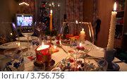 Купить «Украшенная к Новому Году стол и телевизор на фоне», видеоролик № 3756756, снято 12 ноября 2011 г. (c) Losevsky Pavel / Фотобанк Лори