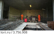 Купить «Сварочные работы на стройплощадке», видеоролик № 3756908, снято 26 августа 2011 г. (c) Losevsky Pavel / Фотобанк Лори