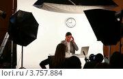 Купить «Модель сидит за столом с ноутбуком на студийной съемке», видеоролик № 3757884, снято 12 ноября 2011 г. (c) Losevsky Pavel / Фотобанк Лори
