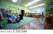 Купить «Несколько детей, мальчиков и девочек, сидят за столом в детском саду», видеоролик № 3760044, снято 27 ноября 2011 г. (c) Losevsky Pavel / Фотобанк Лори