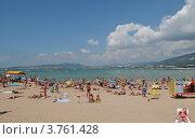 Купить «Современный городской  пляж  Геленджика», фото № 3761428, снято 18 августа 2012 г. (c) Игорь Архипов / Фотобанк Лори