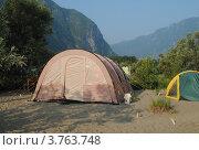 Лагерь у подножия гор (2012 год). Стоковое фото, фотограф Олег Брагин / Фотобанк Лори