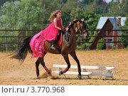Купить «Катание на лошади», эксклюзивное фото № 3770968, снято 29 июля 2012 г. (c) Alexei Tavix / Фотобанк Лори