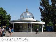 Купить «Верхний вестибюль фуникулера в Одессе», фото № 3771548, снято 27 июня 2012 г. (c) Андрей Ерофеев / Фотобанк Лори