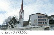 Купить «Начальная школа рядом с католической церковью, Золден, Австрия», видеоролик № 3773560, снято 1 марта 2012 г. (c) Losevsky Pavel / Фотобанк Лори