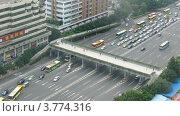 Купить «Машины едут со скоростью по шоссе(таймлапс)», видеоролик № 3774316, снято 17 января 2012 г. (c) Losevsky Pavel / Фотобанк Лори