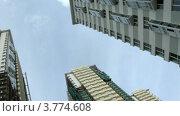 Купить «Новые многоэтажные дома стоят на фоне синего неба, таймлапс», видеоролик № 3774608, снято 24 января 2012 г. (c) Losevsky Pavel / Фотобанк Лори