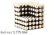 Купить «Куб из магнитных шариков на белом фоне», видеоролик № 3775064, снято 28 января 2012 г. (c) Losevsky Pavel / Фотобанк Лори
