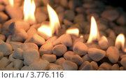 Купить «Языки пламени на белых камнях», видеоролик № 3776116, снято 17 февраля 2012 г. (c) Losevsky Pavel / Фотобанк Лори