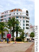 Купить «Фасад роскошного отеля, расположенного на набережной Круазет, французская Ривьера», фото № 3777164, снято 13 июня 2010 г. (c) ElenArt / Фотобанк Лори