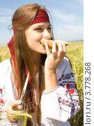 Купить «Обед в полевых условиях», фото № 3778268, снято 25 августа 2012 г. (c) Момотюк Сергей / Фотобанк Лори